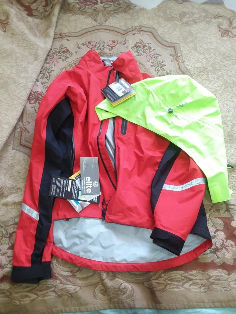 Showers Pass Mens Jacket plus Hood XL