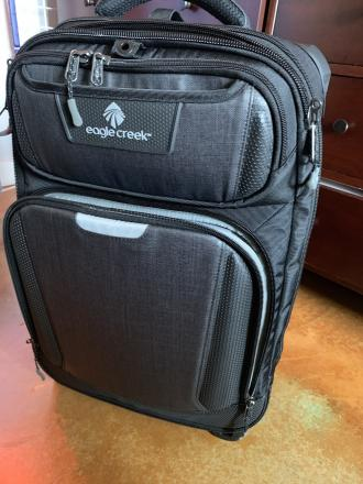 EAGLE CREEK Tarmac carry-on black expandable 22""