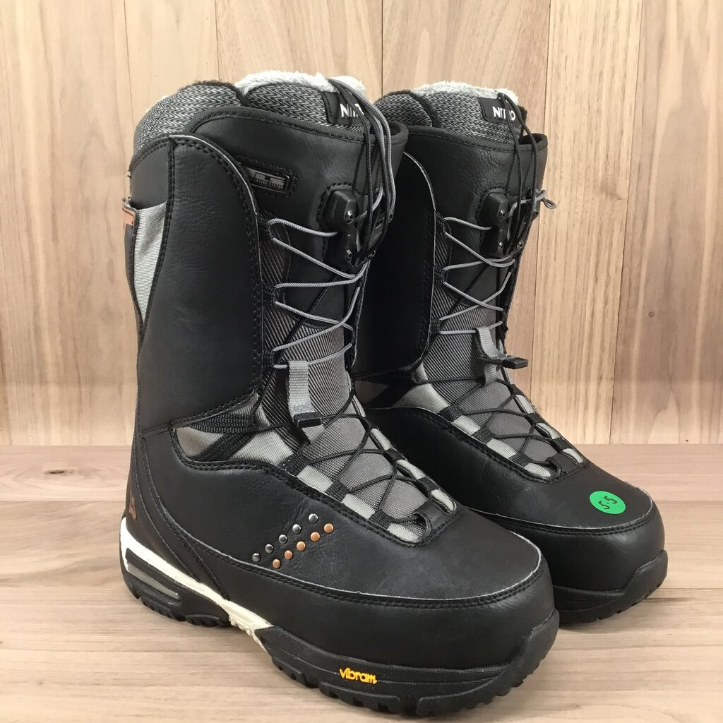 Nitro Faint TLS Snowboard boot