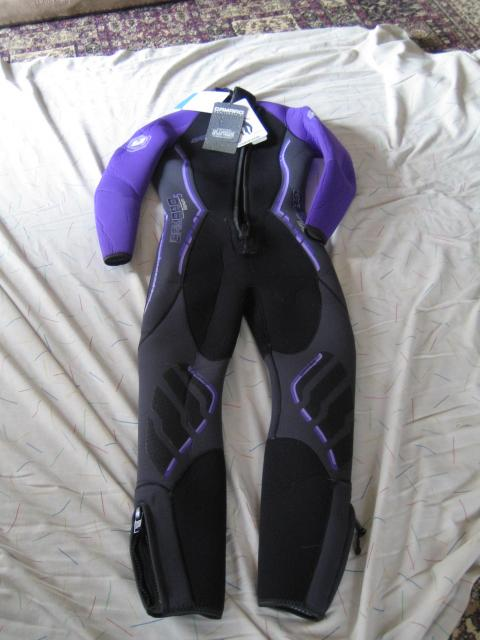 Camaro Women's Titanium Overall 5mm Wetsuits, Black/Berry, X-Small/36