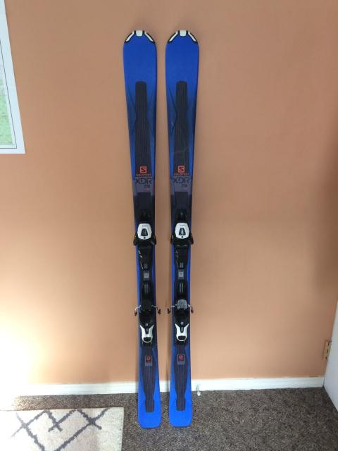 Salomon XDR 75 ST Skis w/ Salomon Lithium Ion 10 Bindings