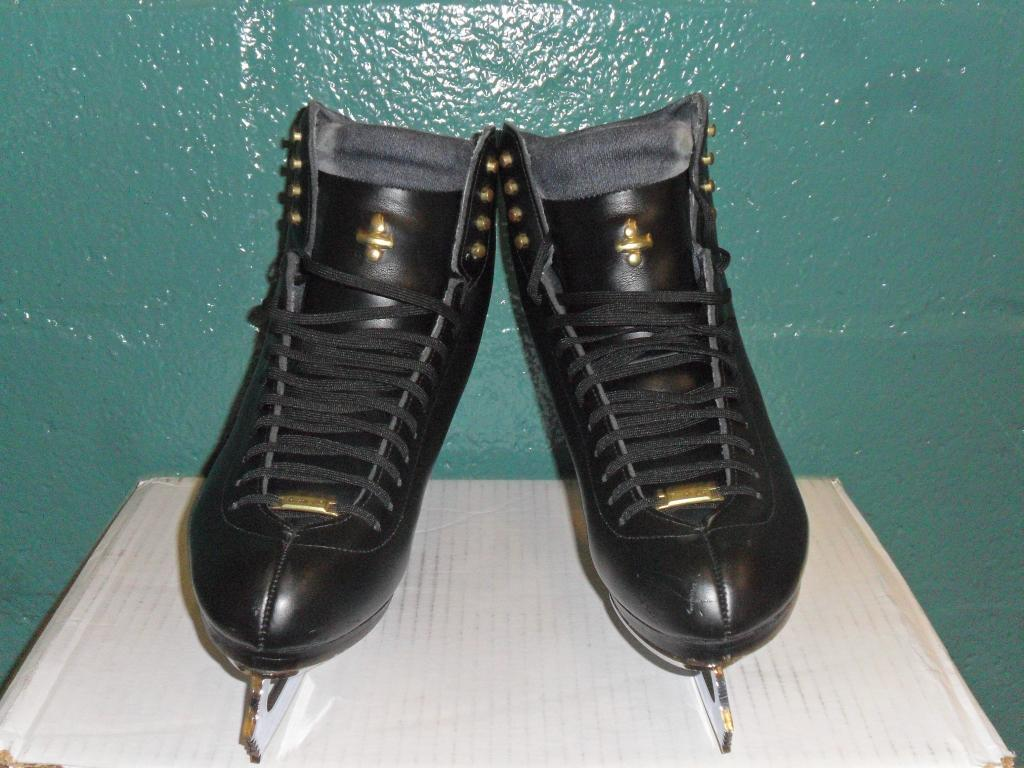 Riedell LS men's figure Ice skates Size 12.5 w/ Coronation Ace Blades