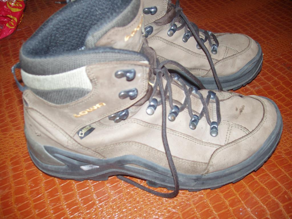 MontTrail Goretex Leather Hiking Boots SWIZE US 13    EUR 47     UK 12