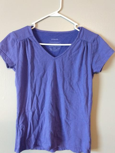 Patagonia Women's  V Neck Shirt Small