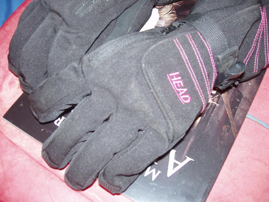 HEAD Womans Ski Gloves Size Womans Large AS NEW