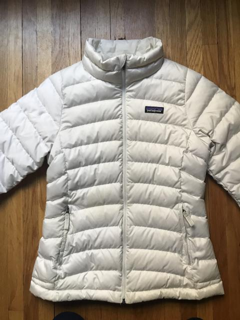 Patagonia Down Sweater Girls size Large White