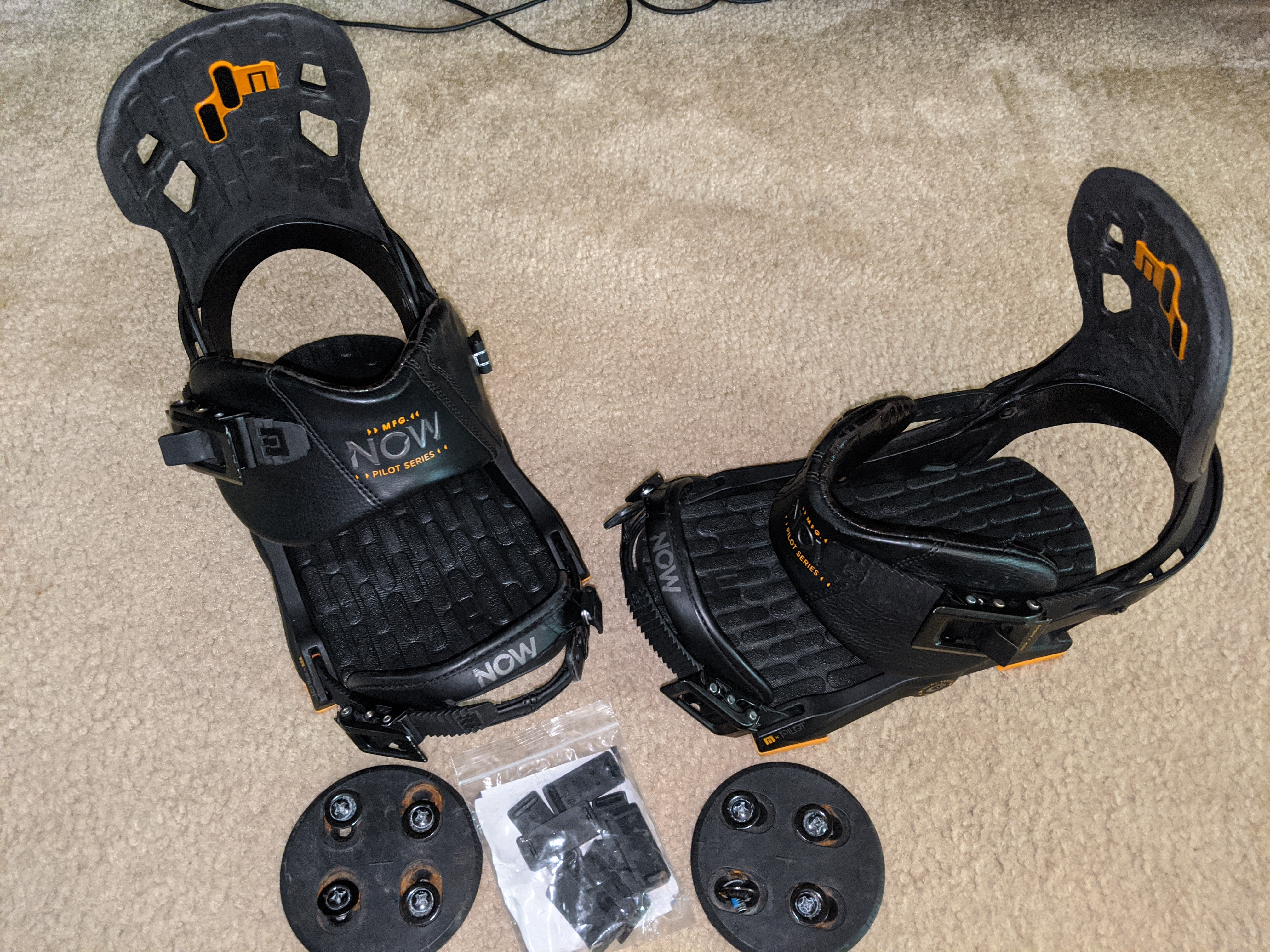 Now Pilot snowboard bindings - Size Large