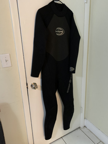 Deep sea closed cell wetsuit