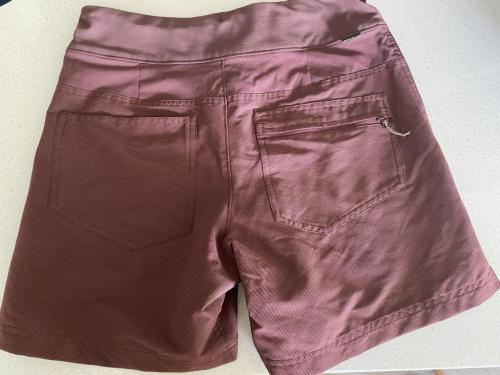Women's  REI Size 4 (Small) Hiking Shorts Like New Condition