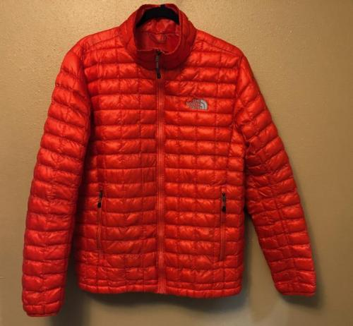 Lightweight The North Face ThermoBall Jacket - Men's M