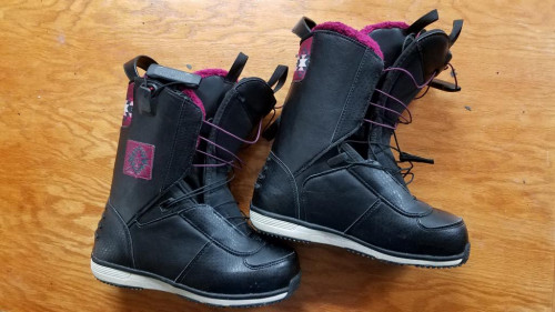 Salomon Lily Women's Snowboard Boots 2014 Size 7.0 1-DAY NEW w/ Box