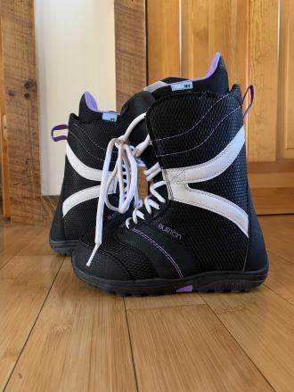 Burton Coco snowboarding boots women's size 6