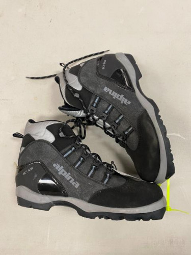 BRAND NEW Aplina BC 1050 BC Cross Country ski boot Size# 44