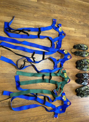 Headwall Universal Harnesses 3 regular, 1 XS kids