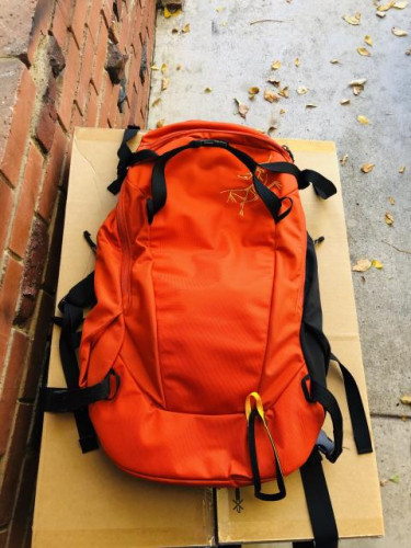 Arcteryx Quintic 38 reg orange new