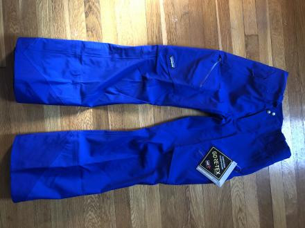 never worn, tags on Patagonia W Untracked Pants