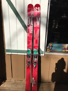 Volkl Mantra 191 with 22 Designs Vice Binding (L)