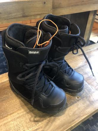 ThirtyTwo women's boots size 6