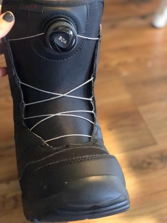 Women's Brand New Burton Boots