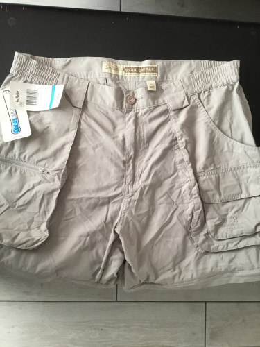 NWT Cabela's zip off hiking pants