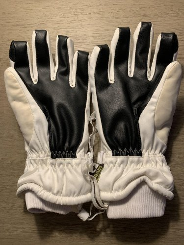 Unused Burton Gloves