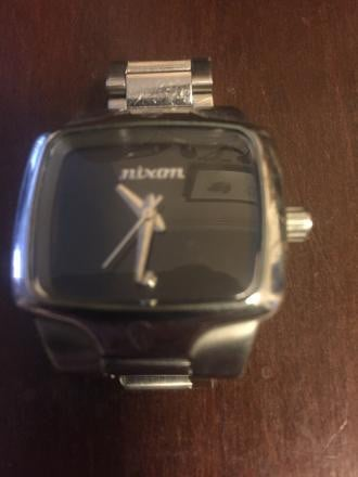 Nixon small player Watch