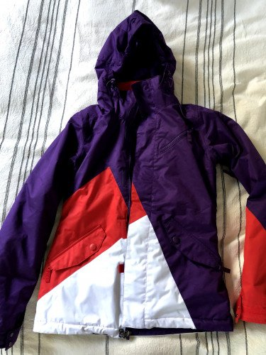 Women's Purple Snowboard Jacket  - size small (like new)