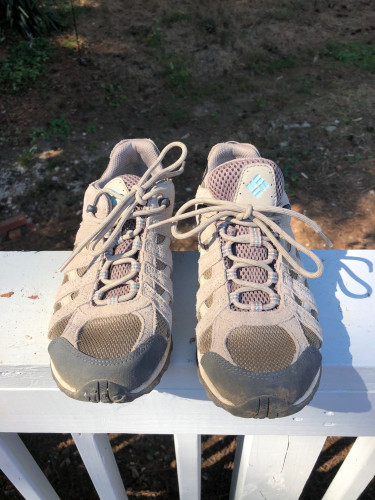 Columbia Women's Hiking Shoes Size 8, Only worn once!