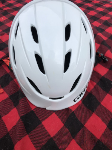 Giro ski helmet, warm and comfortable