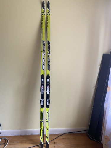 Fischer CRS Classic Vasa Skis w/ mounted Rotefella NNN bindings