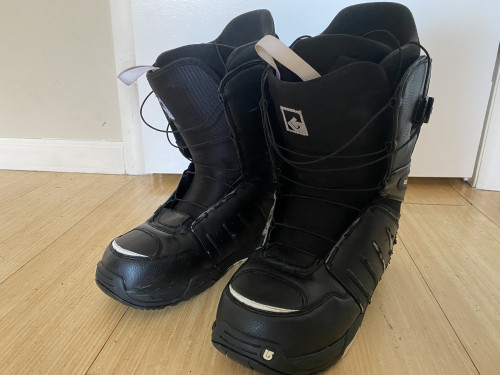 Men's Burton Moto Snowboard Boots - Good Condition