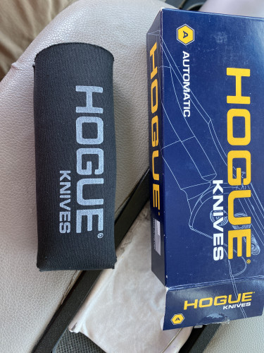Brand new Hogue automatic knife. Has not been used other than u.