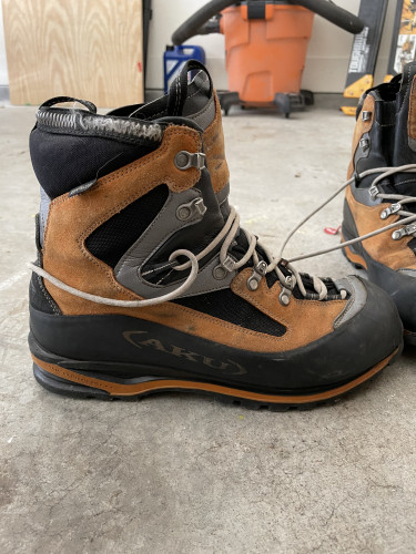 Aku Gore Tex Mountaineering Boots. Men's 10.5