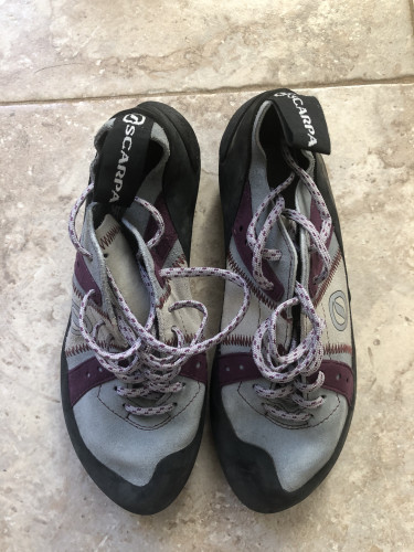Scarpa climbing shoes, never used, great condition