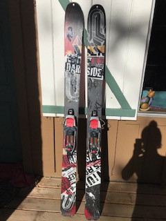 K2 Darkside 181 with 22 Designs AXL bindings (L) and skins