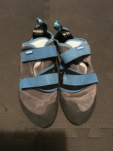 Evolv defy climbing shoes, black sulfer