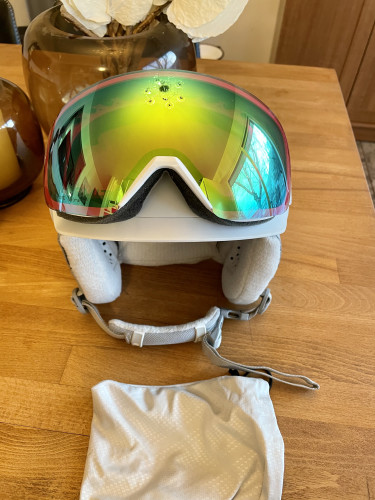 2020 Smith MIPS Helmet/ Skyline Goggle Combo - Used once!