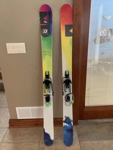 Womens Volkl Kiku 162 w/ Black Diamond 01 Telemark Bindings