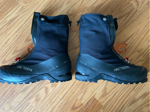 Arcteryx Acrux Ar mens mountaineering double boots, size 11.5