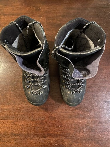 La Sportiva Mountaineering Boots, Size 41, Very Good
