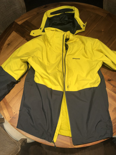Patagonia ski coat XXL Like New