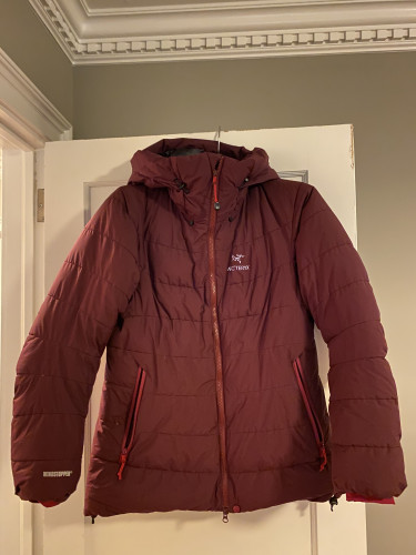 Arcteryx Ceres SV with hood-excellent condition