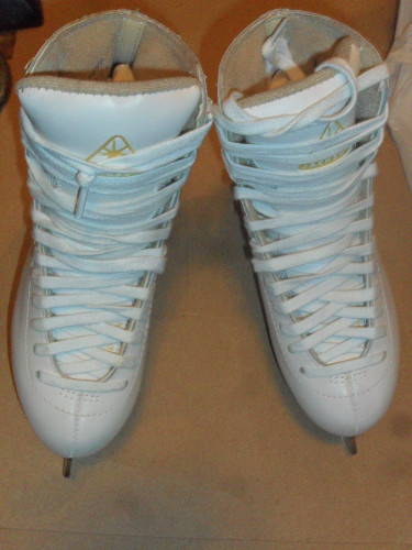 Ladies Jackson Ultima Mystique Figure Skates