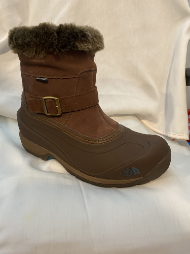 Mens snow boot side ziper pull on insulated
