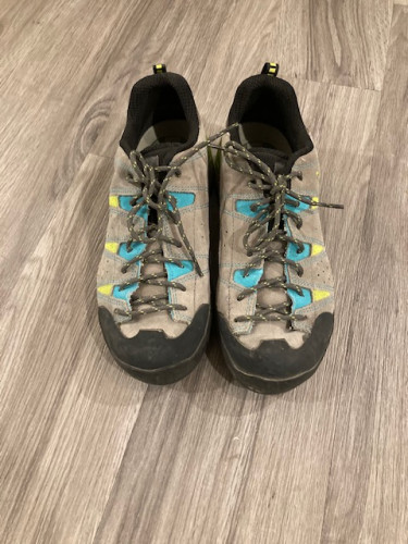 Boreal Women's Sendai Approach Shoes for Sale - Size 8.5
