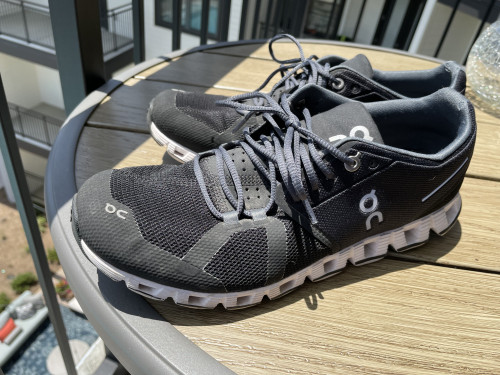 Excellent condition Men's On Cloud Running Shoes 8.5