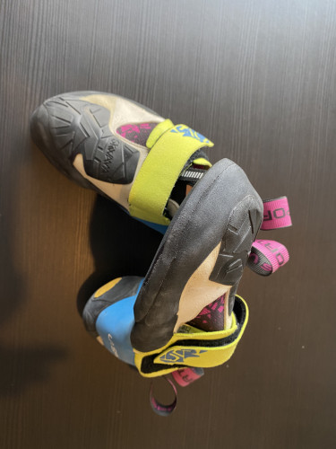 La Sportiva Skwama narrow women's 34.5 like new
