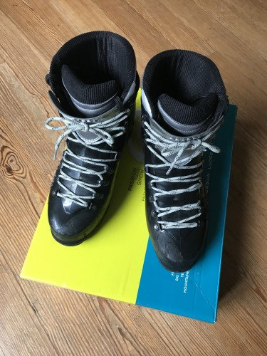 Scarpa Inverno Mountaineering Boot Men's Size  9