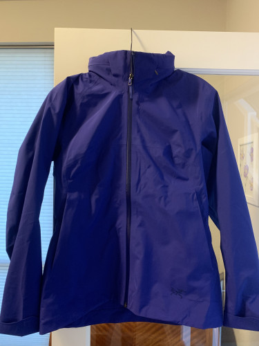Beautiful hard shell rain/wind jacket