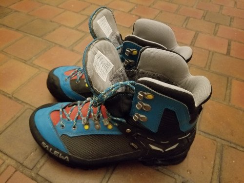 Lightly Used Women's Salewa Raven 2 GTX Size 42 EU/W10USA